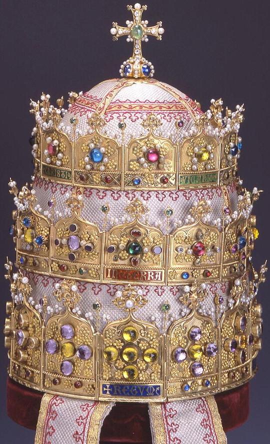 Pápai tiara